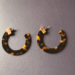 Tortoise print earrings with gold detail